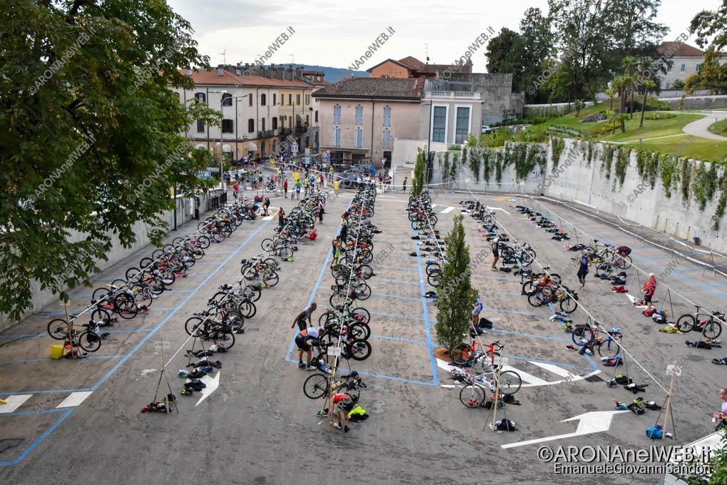 EGS2020_08233 | AronaMen Triathlon 2020, zona cambio