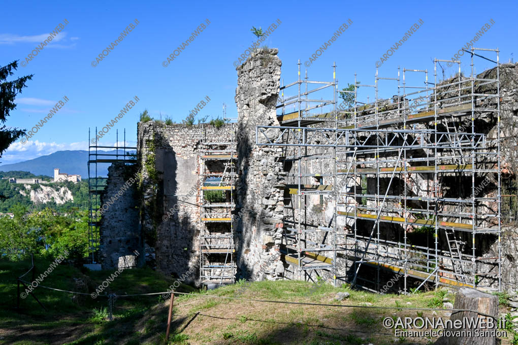 EGS2020_05905   Restauro delle mura della Rocca di Arona