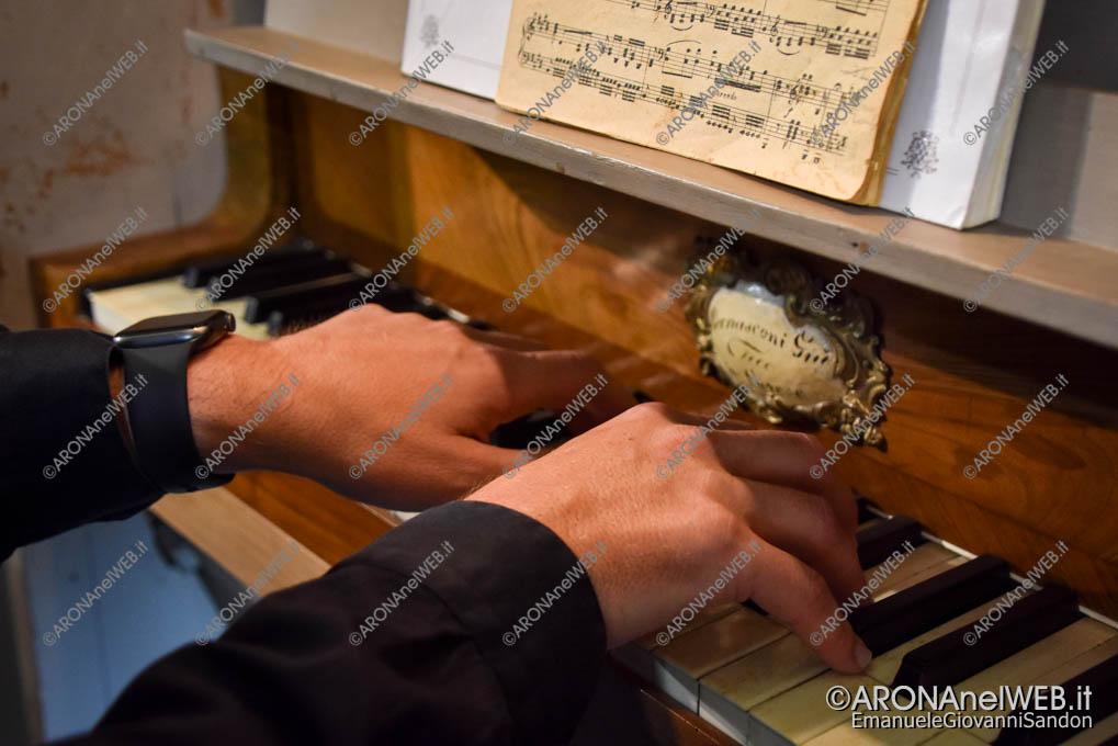 EGS2020_09875 | Matteo Venturini sull'organo Bernasconi a Nebbiuno