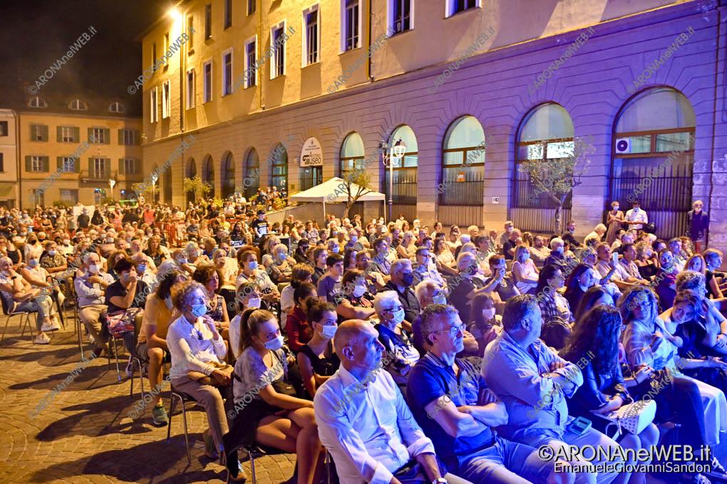 EGS2020_10199 | The Queen Tribute ad Arona in Piazza San Graziano