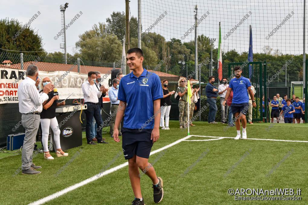 EGS2020_15012 | La prima squadra Arona Calcio 2020 e il nuovo campo sintetico