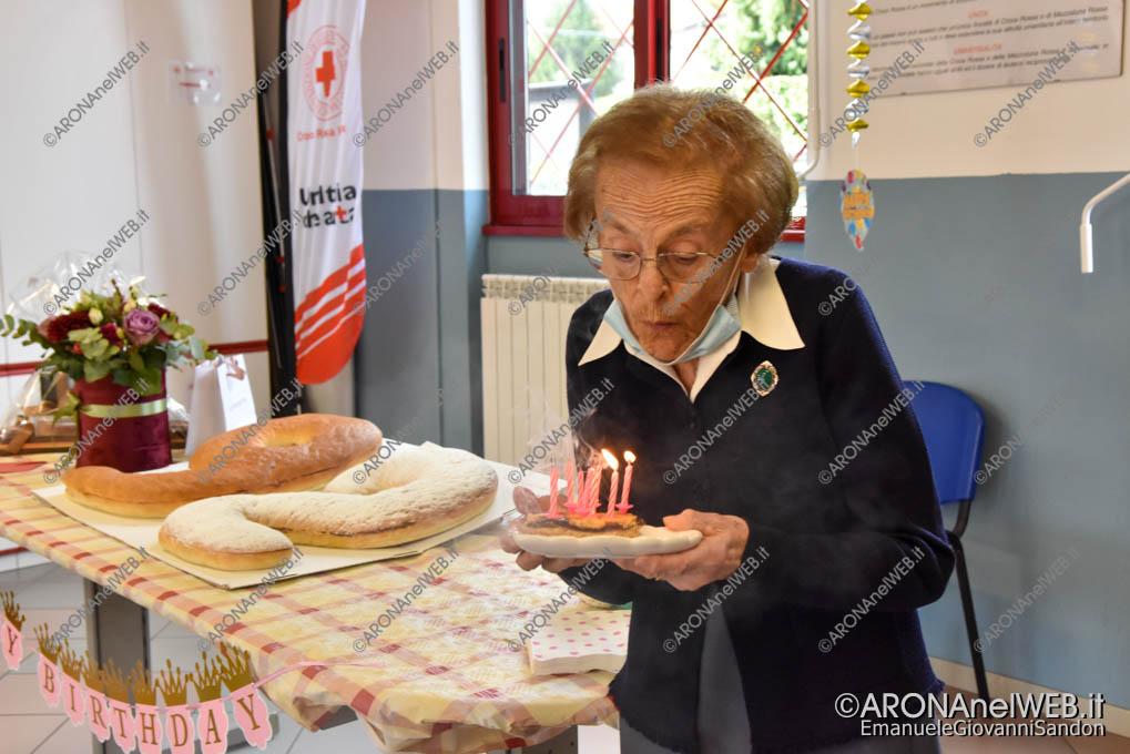 EGS2020_16990   Alma Mazza, 92 anni è volontaria della Cri Arona