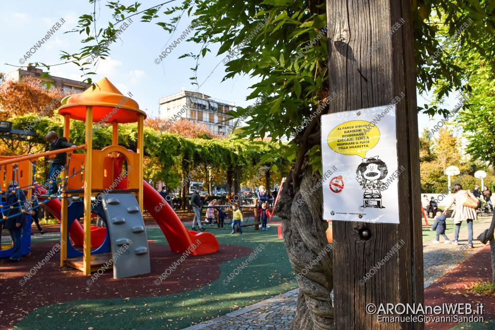 EGS2020_17252 | Il cartello di Mafalda al parco giochi di Arona