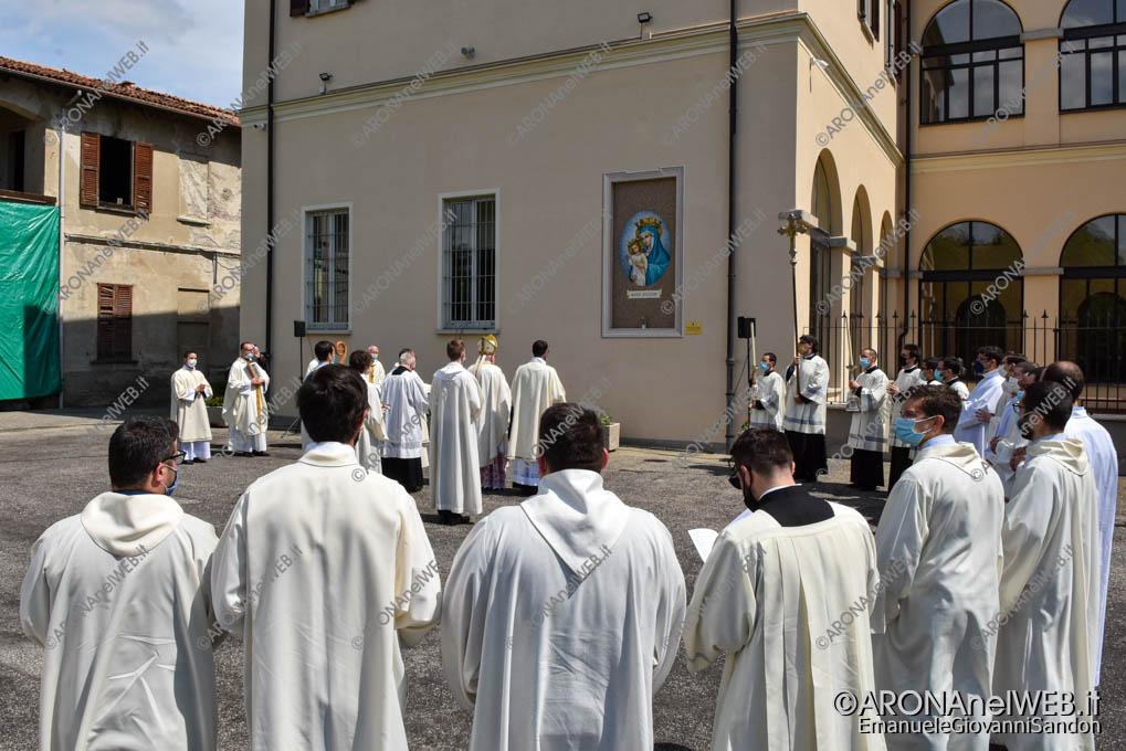 """EGS2021_02434   Mons. Franco Giulio Brambilla benedice il nuovo Seminario Vescovile """"San Gaudenzio"""" a Gozzano"""