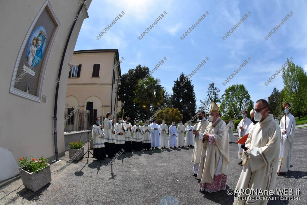 """EGS2021_02439   Mons. Franco Giulio Brambilla benedice il nuovo Seminario Vescovile """"San Gaudenzio"""" a Gozzano"""
