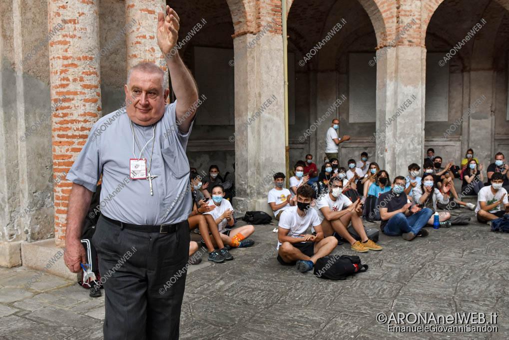EGS2021_03865   Route dei giovani 2021, arrivo del vescovo mons. Franco Giulio Brambilla