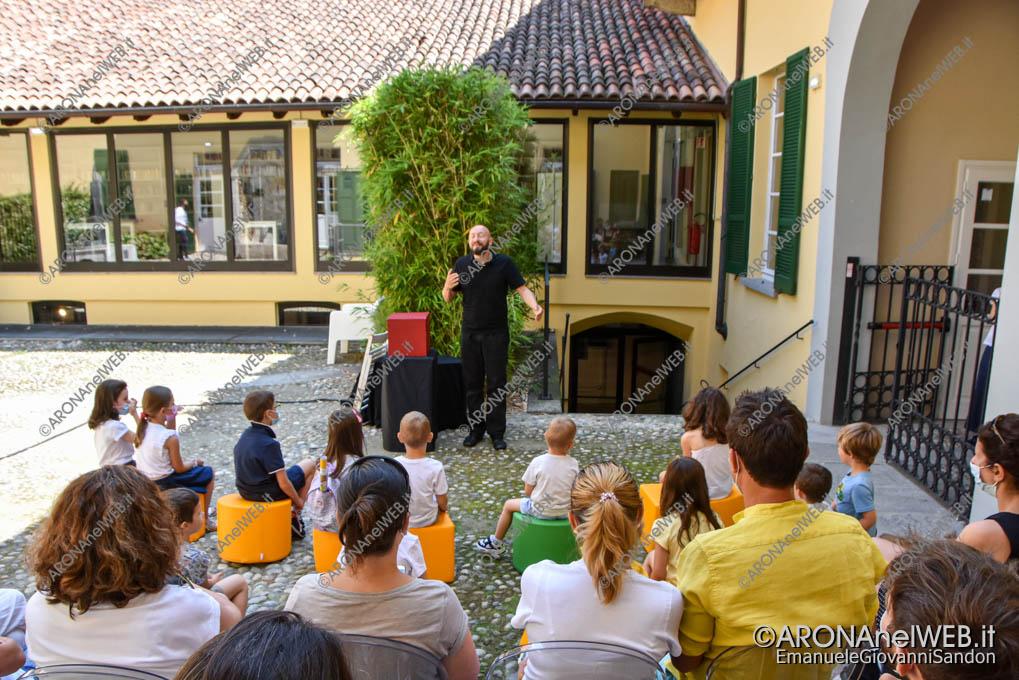 EGS2021_04450   I racconti di Gloria - compagnia Momom di e con Claudio Milani