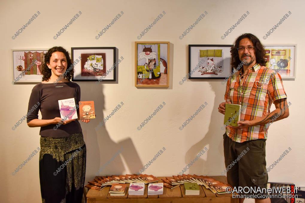 EGS2021_04494   Libreria La Stanza di Vincent con gli autori della mostra tratte dal libro cat-o-rama