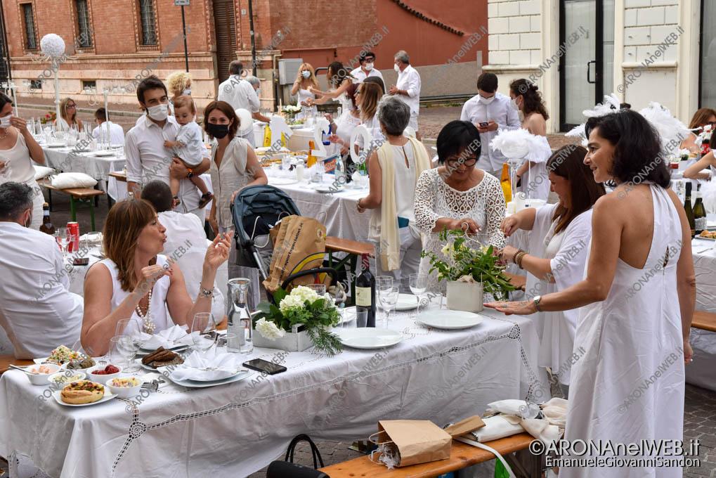 EGS2021_05398   Cena in Bianco Arona 2021 in Piazza San Graziano