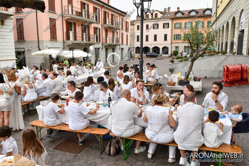 EGS2021_05502   Cena in Bianco Arona 2021 in Piazza San Graziano