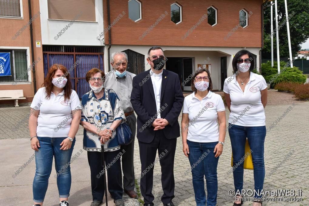 EGS2021_06013 | Don Paolo Bellussi con i membri dell'associazione Amici della Missione