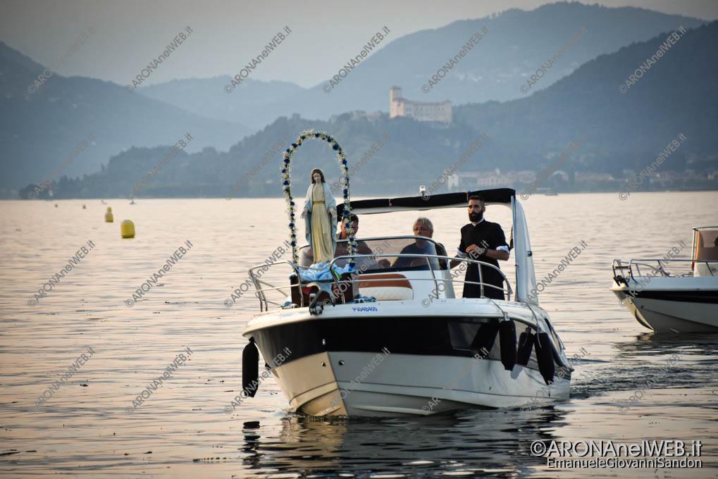 EGS2021_13019 | Don Matteo Balzano accompagna la madonna