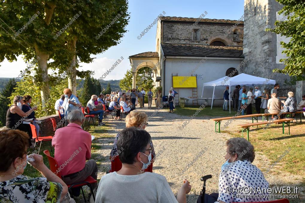 EGS2021_16497 | La comunità di Oleggio Castello in festa per il nuovo parroco