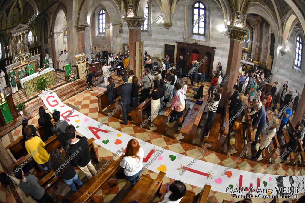 EGS2021_19933   Don Gianluca De Marco saluta la comunità aronese