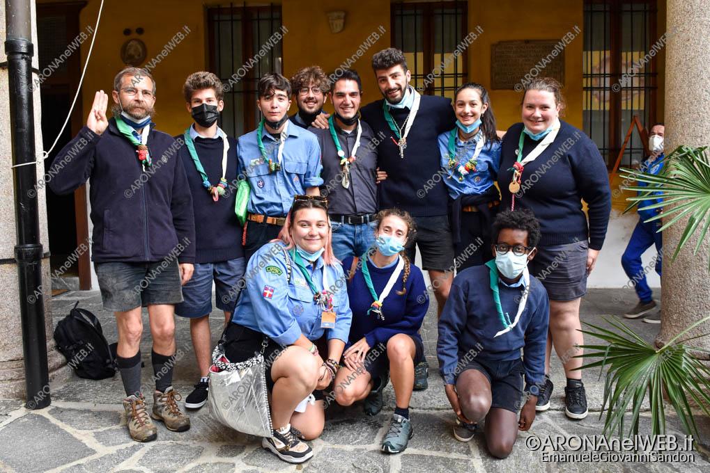 EGS2021_19976   Don Gianluca De Marco con gli Scout Arona