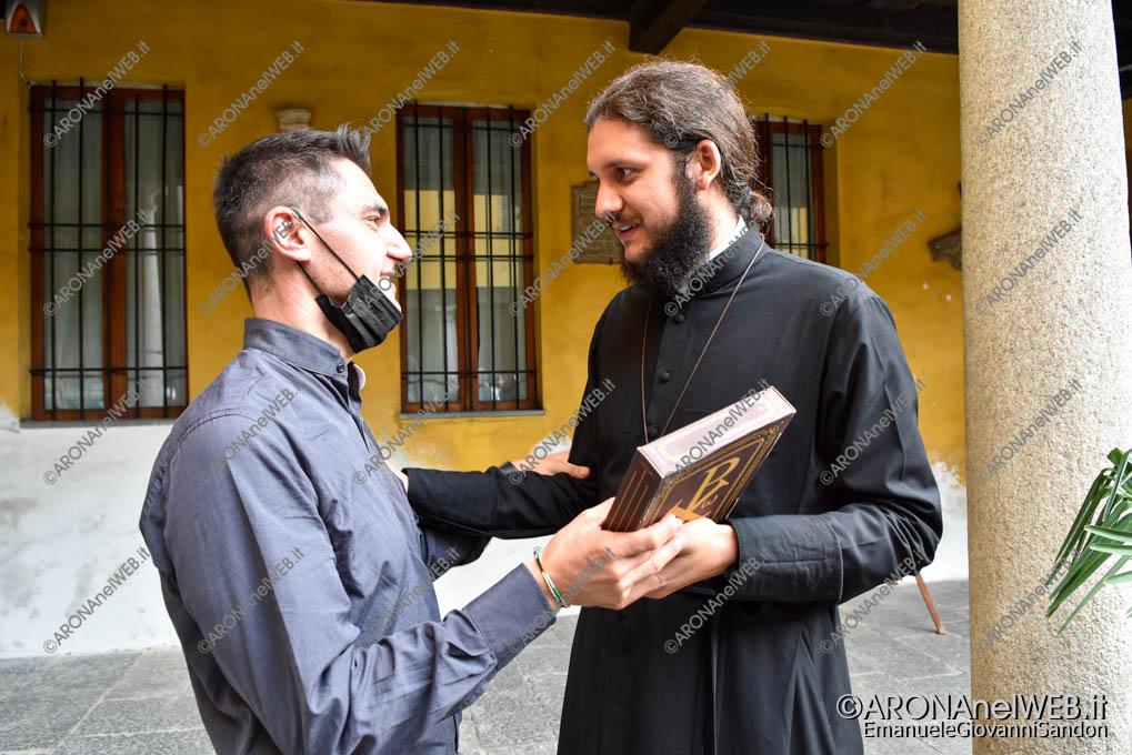 EGS2021_20090   Don Gianluca De Marco con Padre Victor