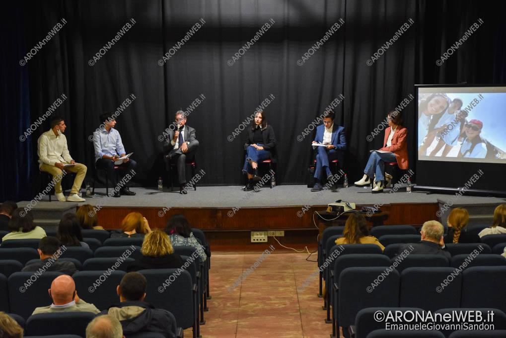 EGS2021_21169 | I giovani dell'oratorio di Arona in dialogo con il sindaco Federico Monti