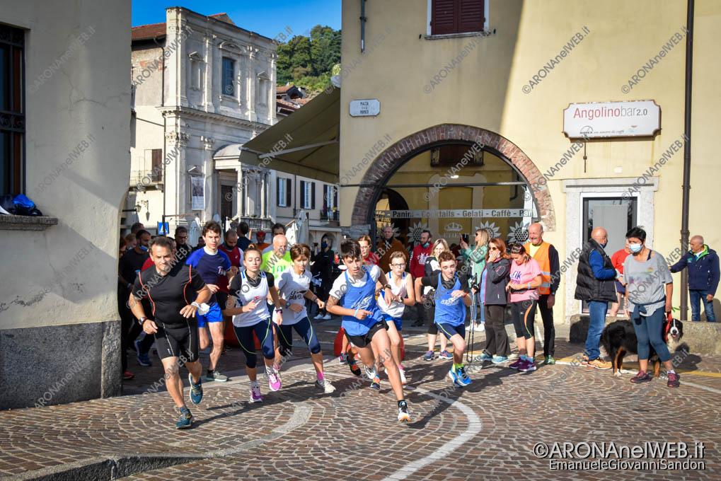 """EGS2021_21548   Partenza della """"Corri Arona"""" 5K"""